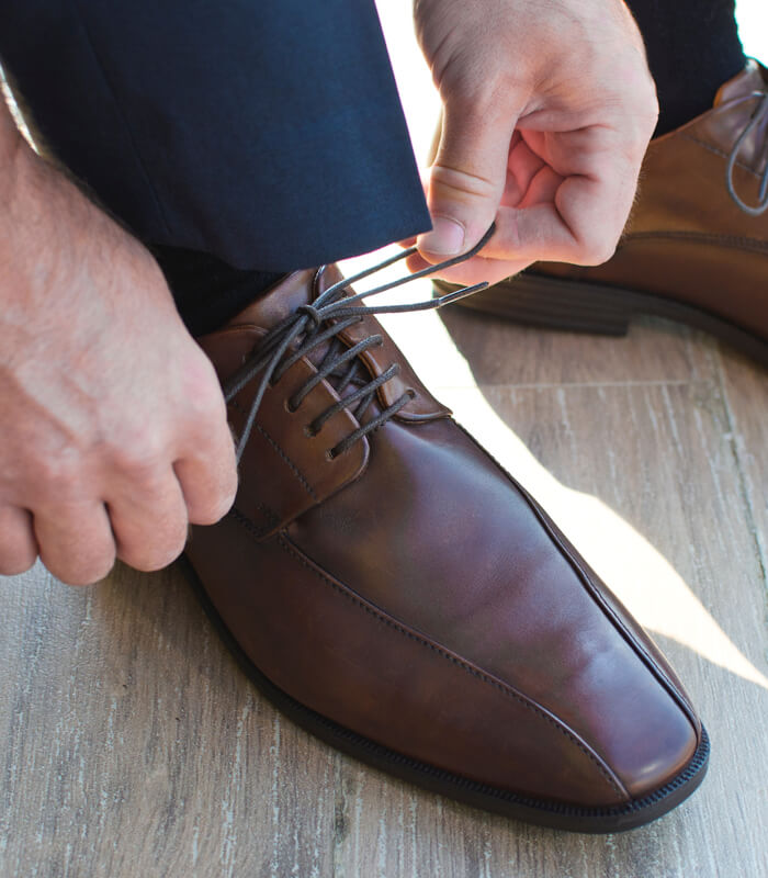 Our-Guide-to-Choosing-the-Right-Shoes-for-Colored-Suits-featured-image