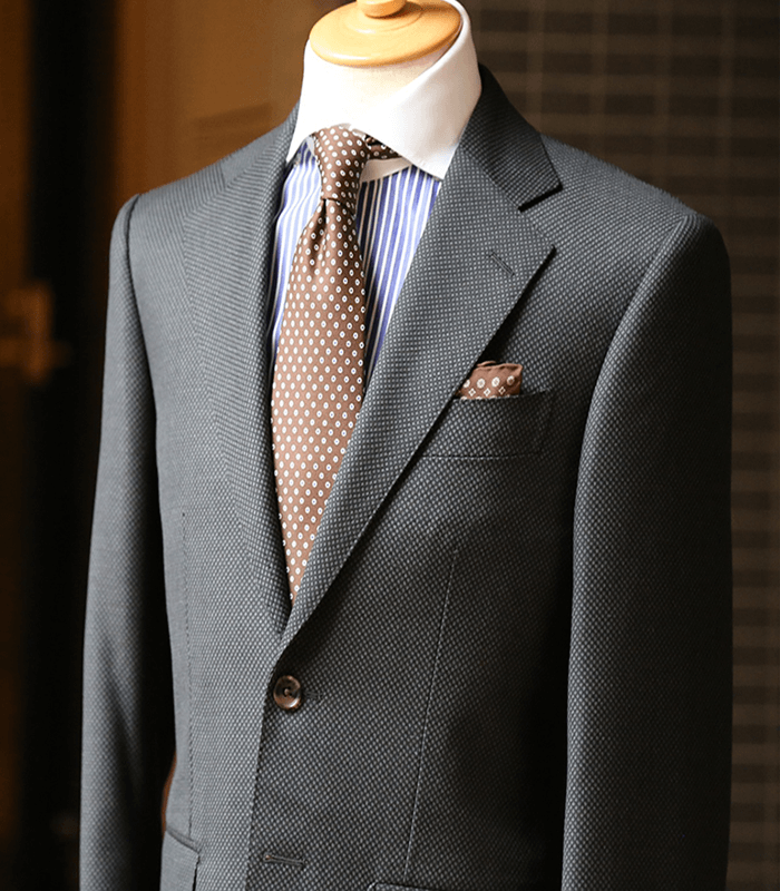 5 Tips to Help You Purchase the Right Suit