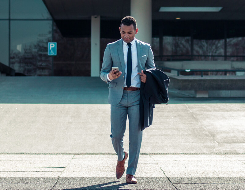 Our Guide to Wearing Business Suits Properly - 4 Mistakes to Avoid-featured
